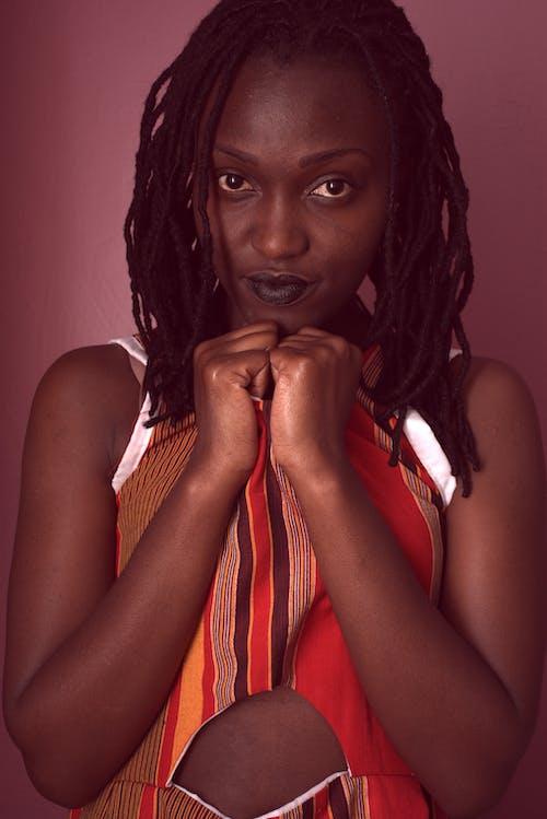 Darmowe zdjęcie z galerii z atrakcyjny, czarna kobieta, dziewczyna, kobieta