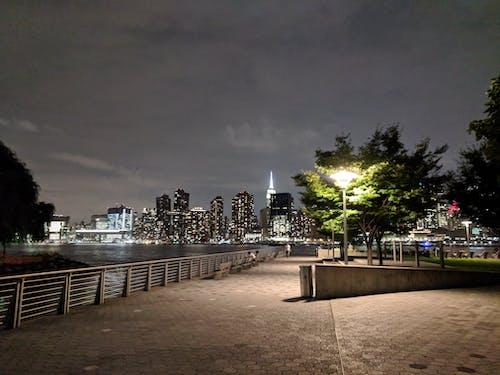 东河, 公園, 建築, 晚上 的 免费素材照片