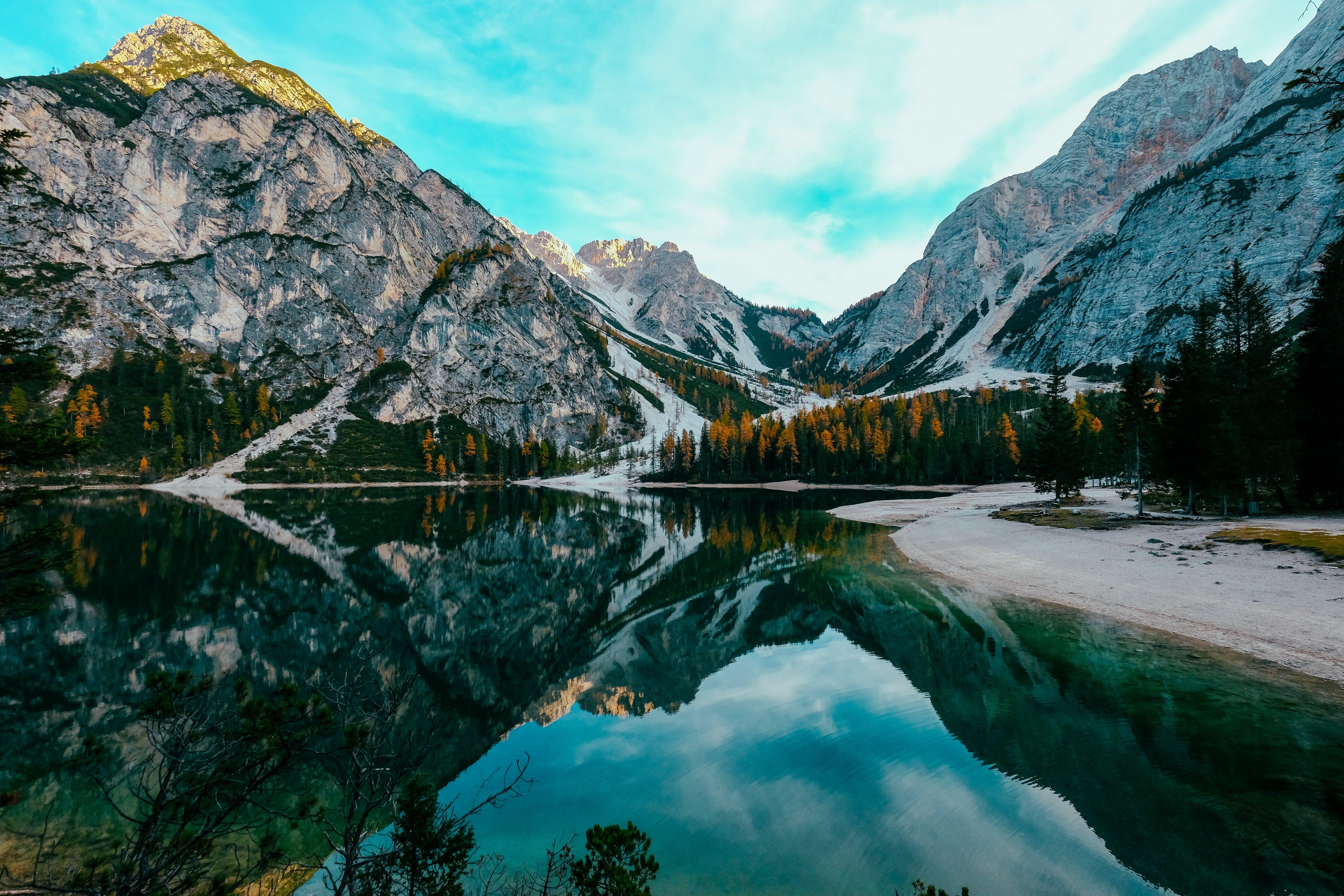 Ingyenes stockfotó fák, festői, HD-háttérkép, hegycsúcs témában