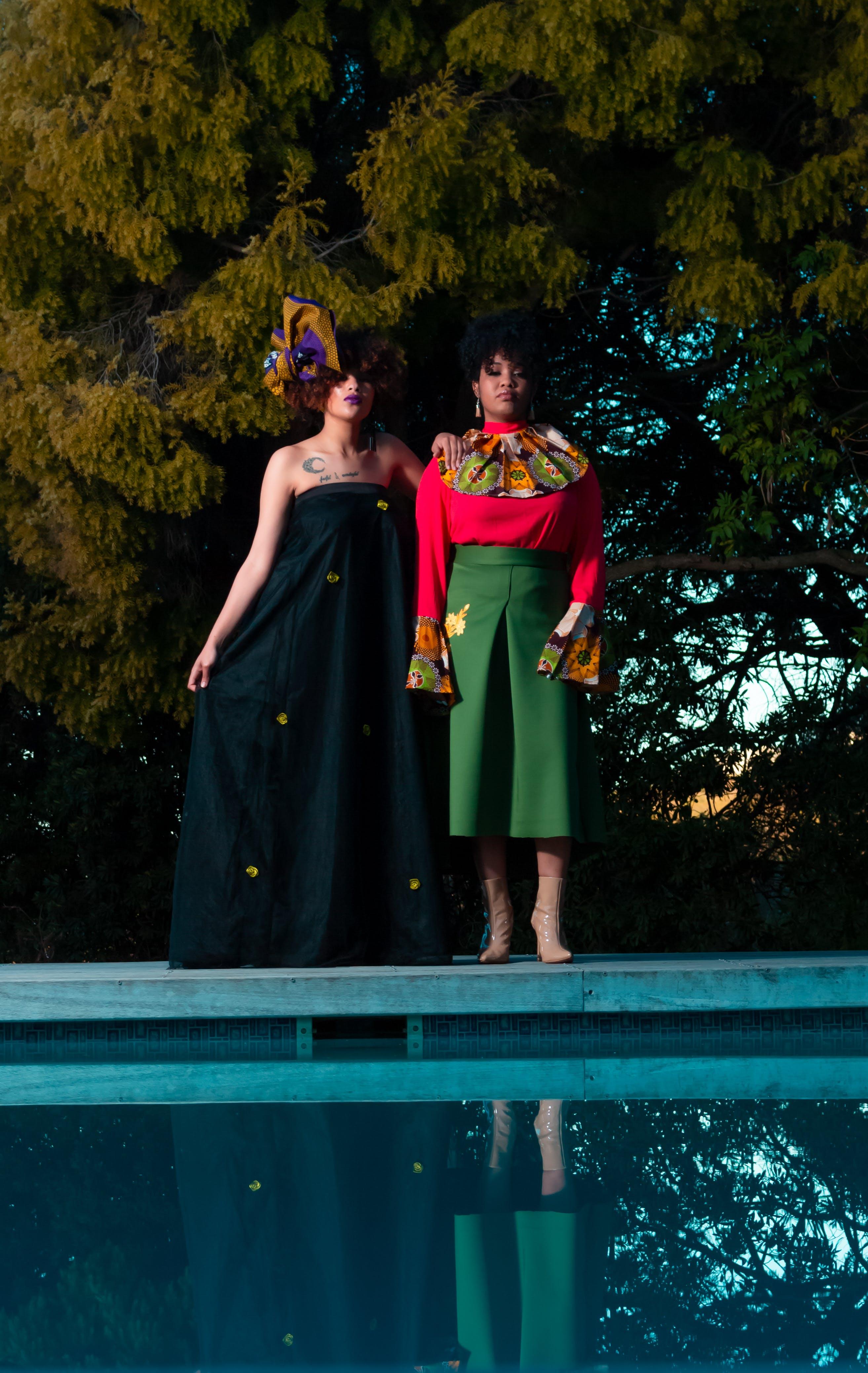 Kostenloses Stock Foto zu fashion, menschen, frauen, bäume