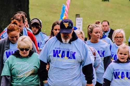Δωρεάν στοκ φωτογραφιών με Άνθρωποι, περπατώντας πλήθος