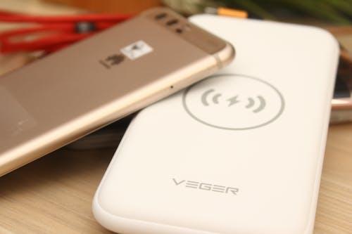 Gratis stockfoto met power bank, smartphones, telefoon