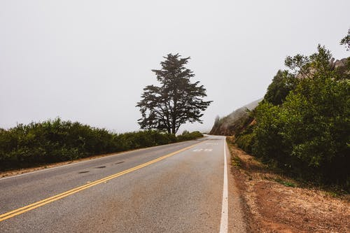 Gratis stockfoto met lege weg, mist, mistachtig, open weg