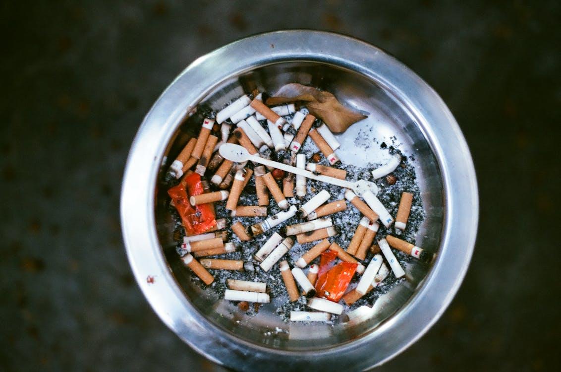 bụi bẩn, mông thuốc lá, rác