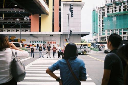 Ingyenes stockfotó átkelés, gyalogátkelő, gyalogátkelőhely, út témában