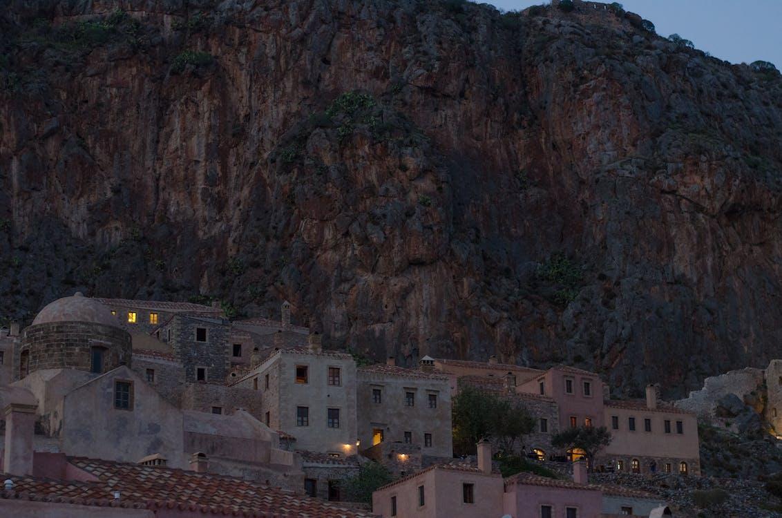 chiesa, montagna, villaggio