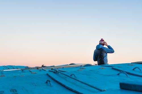 Fotos de stock gratuitas de azul, boina de lana, chaqueta, cielo