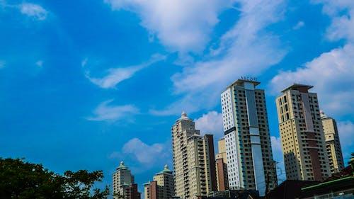 Kostenloses Stock Foto zu blau, blauer himmel, die architektur. stadt, gebäude