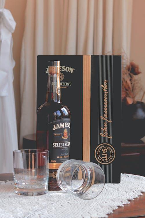 Darmowe zdjęcie z galerii z alkohol, butelka, drink, irlandczyk