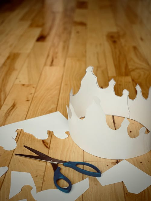 Free stock photo of crafts, crown, cut-outs, king's crown