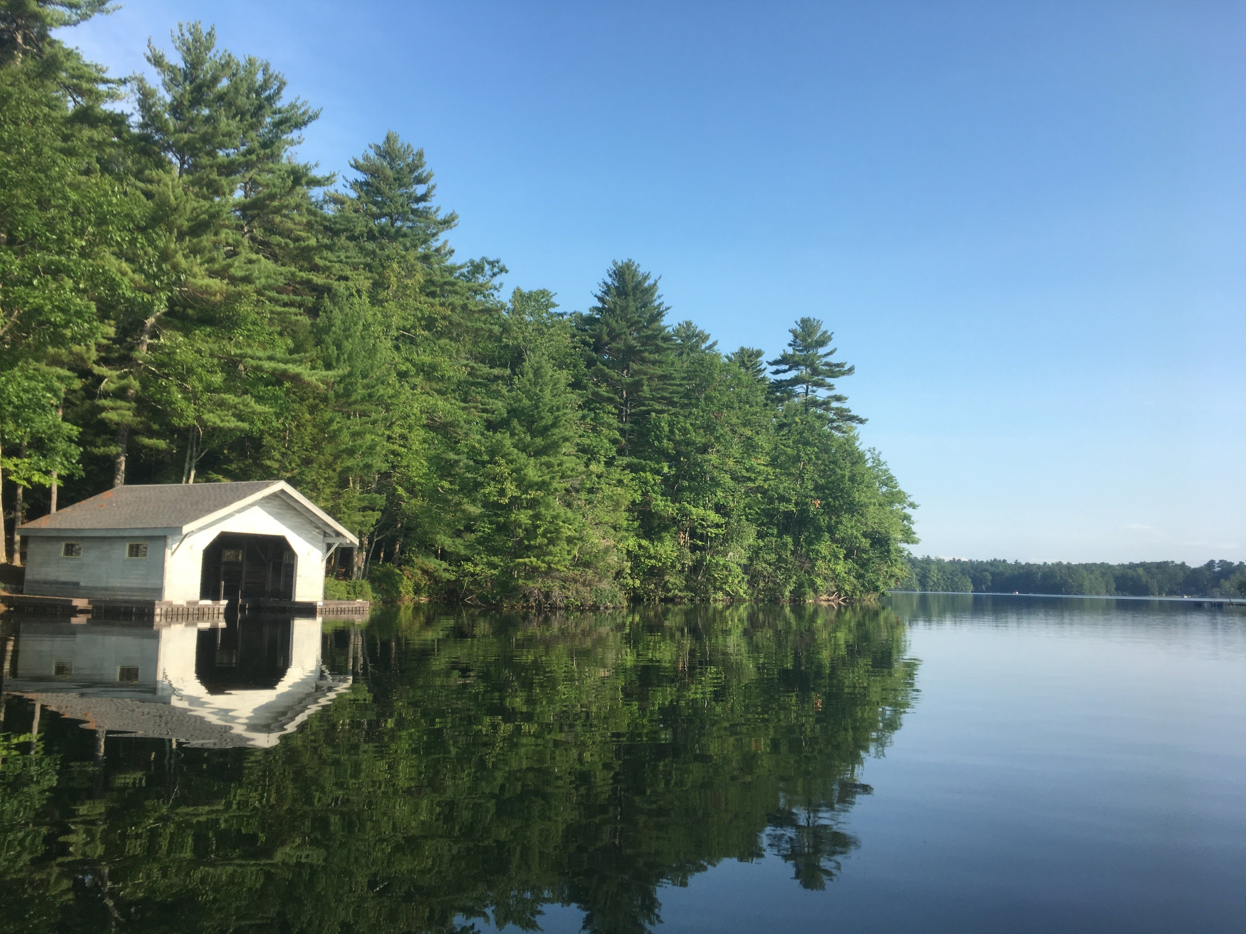 Free stock photo of boat house, boathouse, calm lake, calm waters