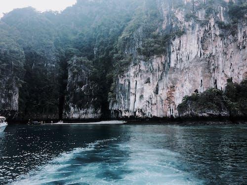 Gratis lagerfoto af aber, båd, bjerge, blå