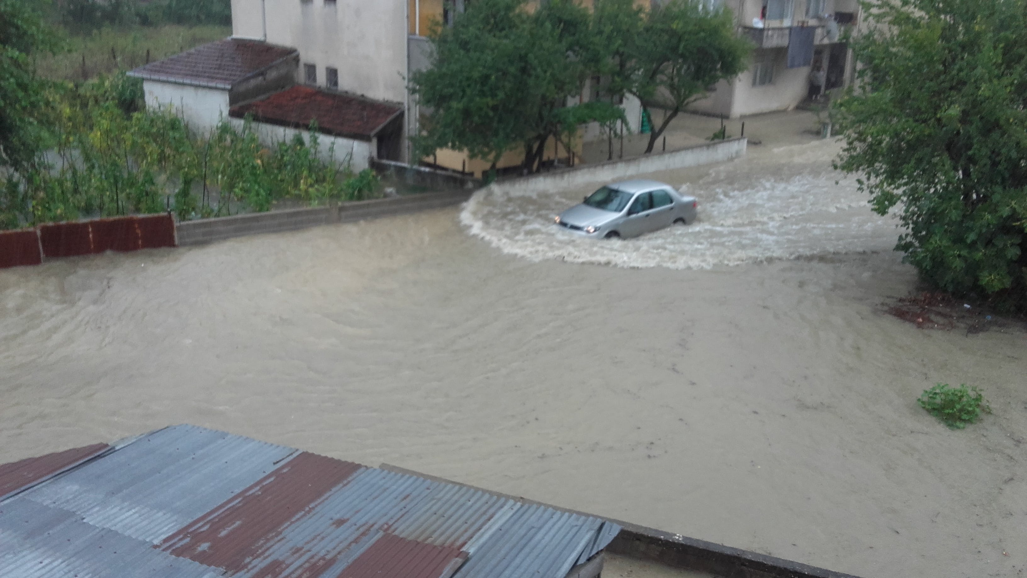 Free stock photo of flood and car