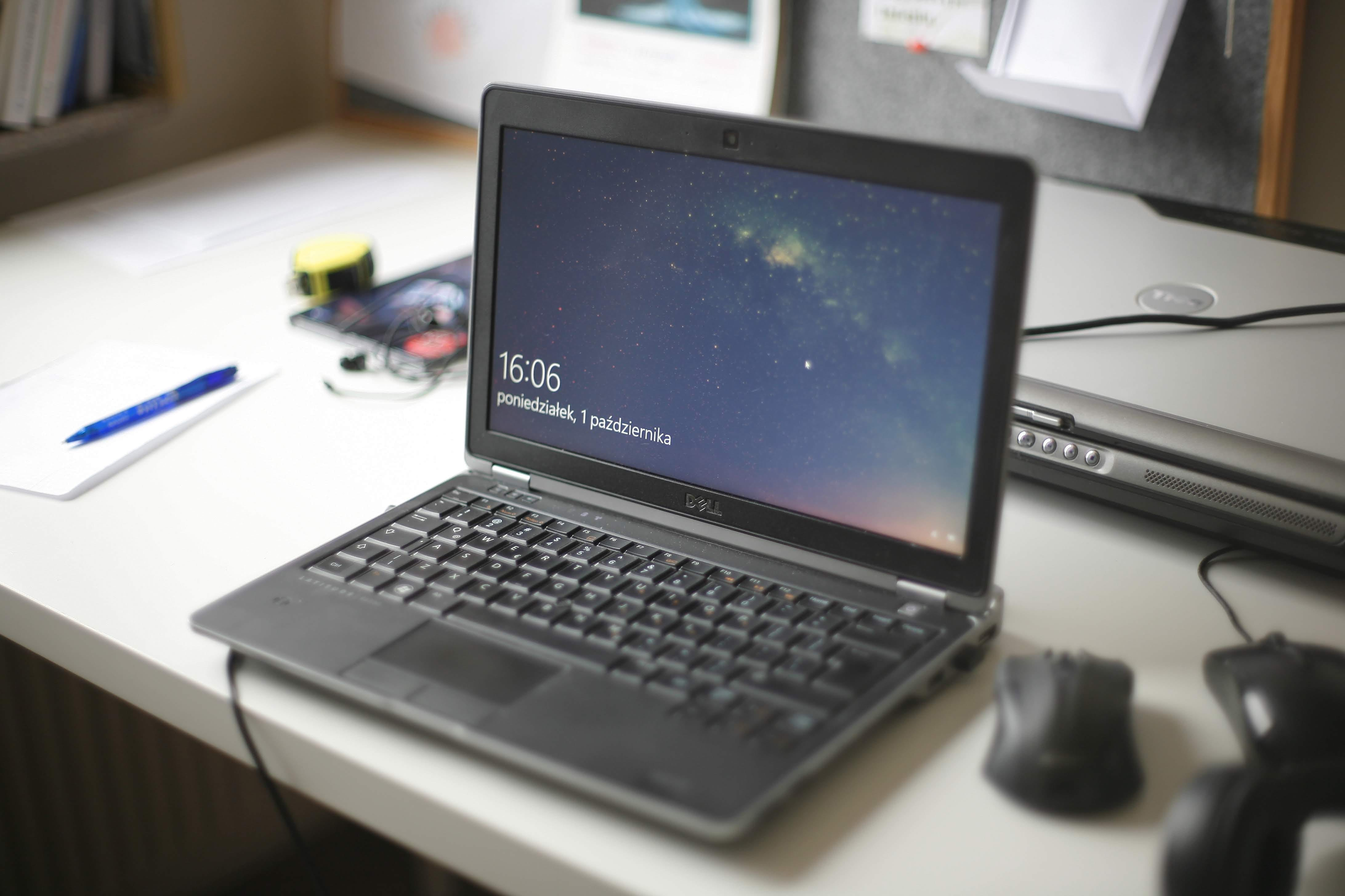bærbar computer, mockup, notesbog