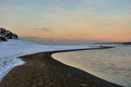 Kostnadsfri bild av kvällshimmel, sanddyner, se, snö