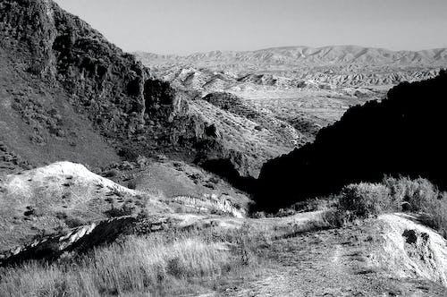 Безкоштовне стокове фото на тему «гора, Долина, дорога, камінь»