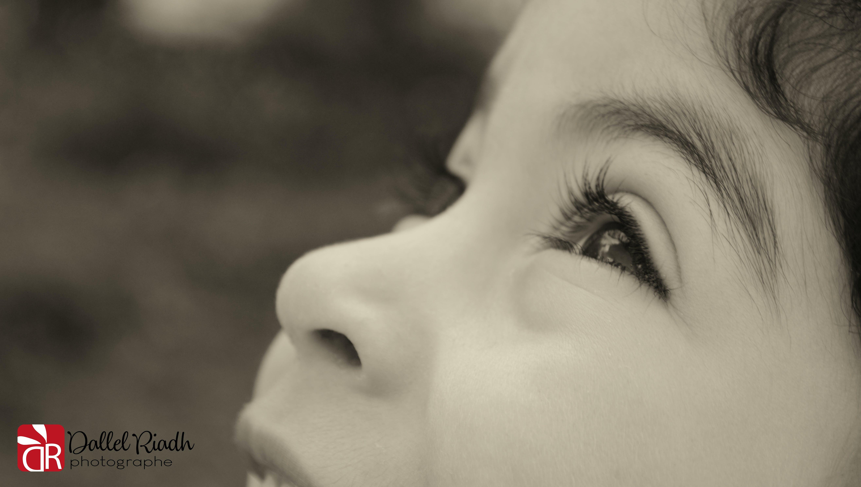 Kostenloses Stock Foto zu hoch schauen, kind, kinder, lächeln