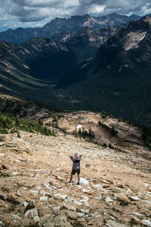 Fotos de stock gratuitas de caminante, espíritu viajero, montañas