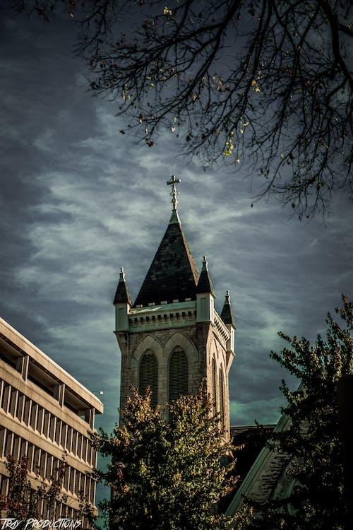 Fotobanka sbezplatnými fotkami na tému budova kostola, cintorín, fotografia ulice, Halloween