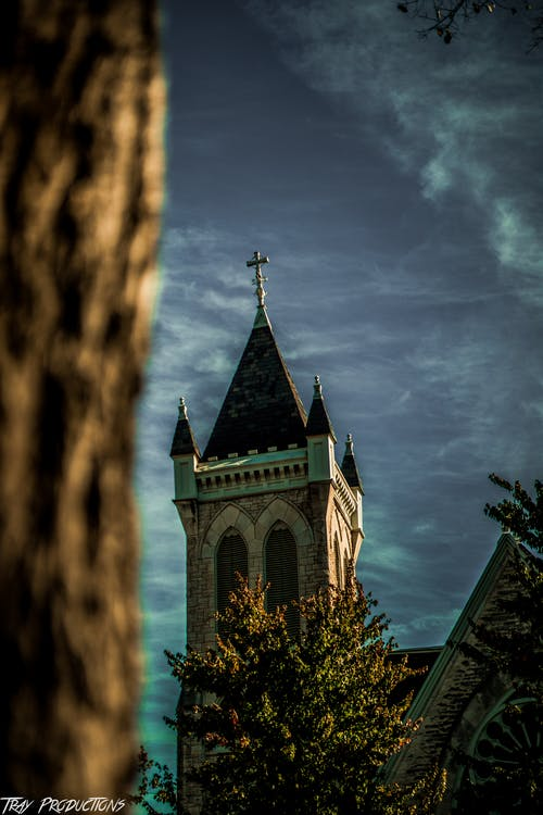 Fotobanka sbezplatnými fotkami na tému budova kostola, cintorín, estetický, fotografia ulice
