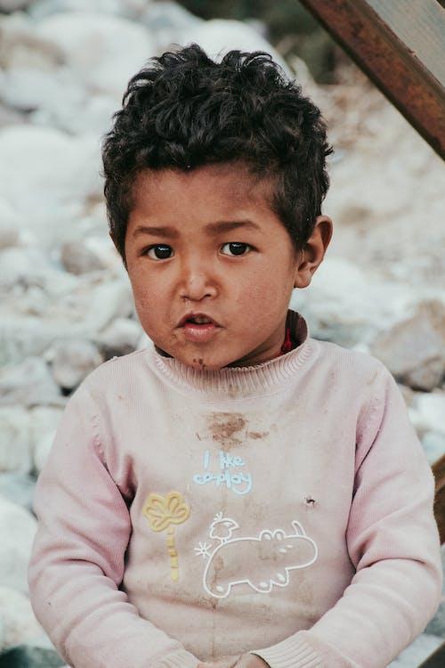 Photos gratuites de enfant indien, jeune homme indien