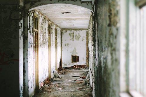 Ingyenes stockfotó bejárat, beltéri, elhagyatott, épület témában