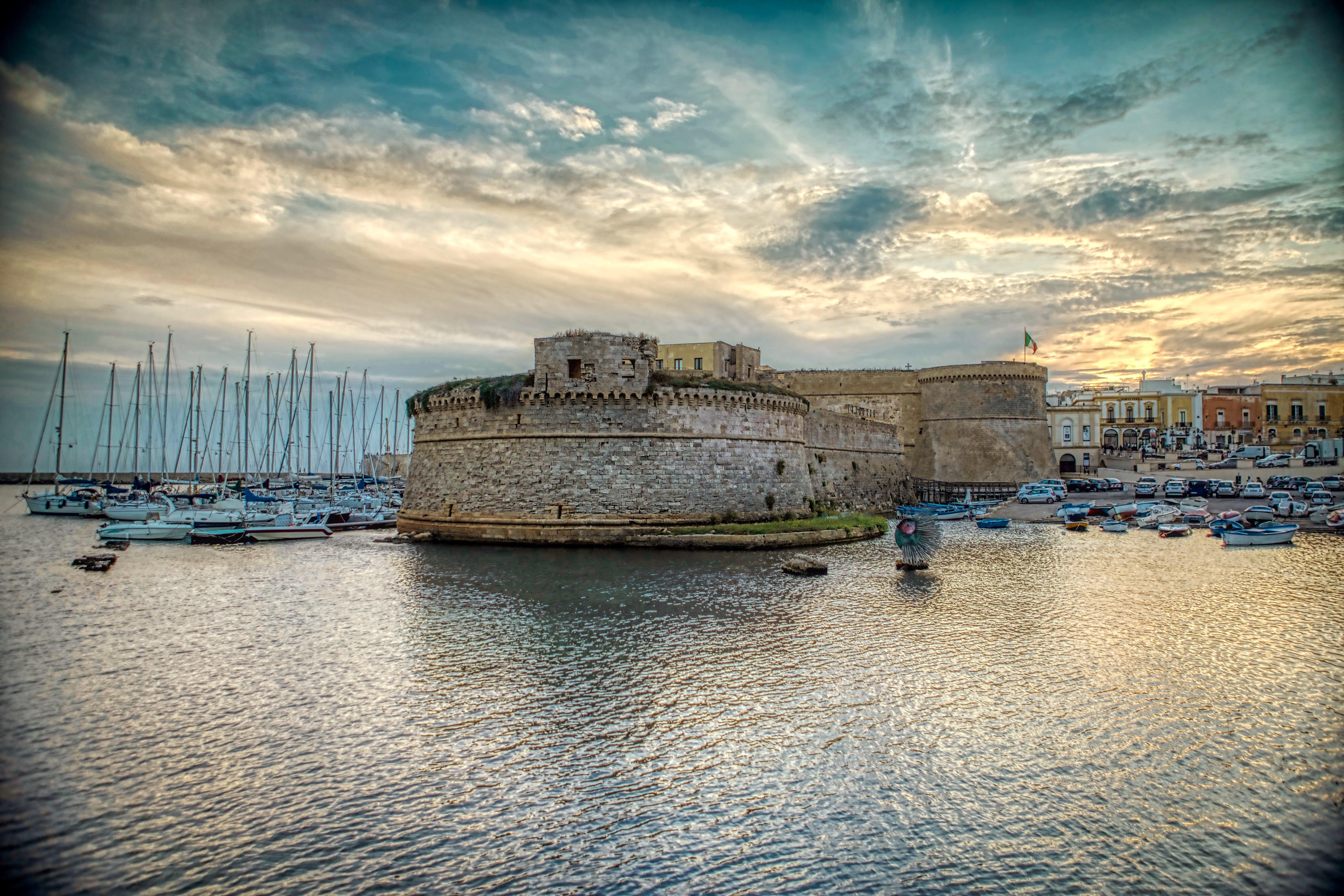 boats, castle, clouds
