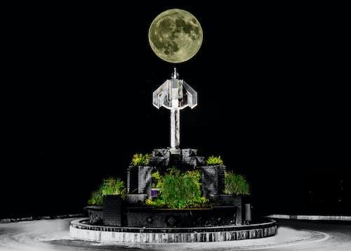 Foto stok gratis bulan purnama, keseimbangan, kontras