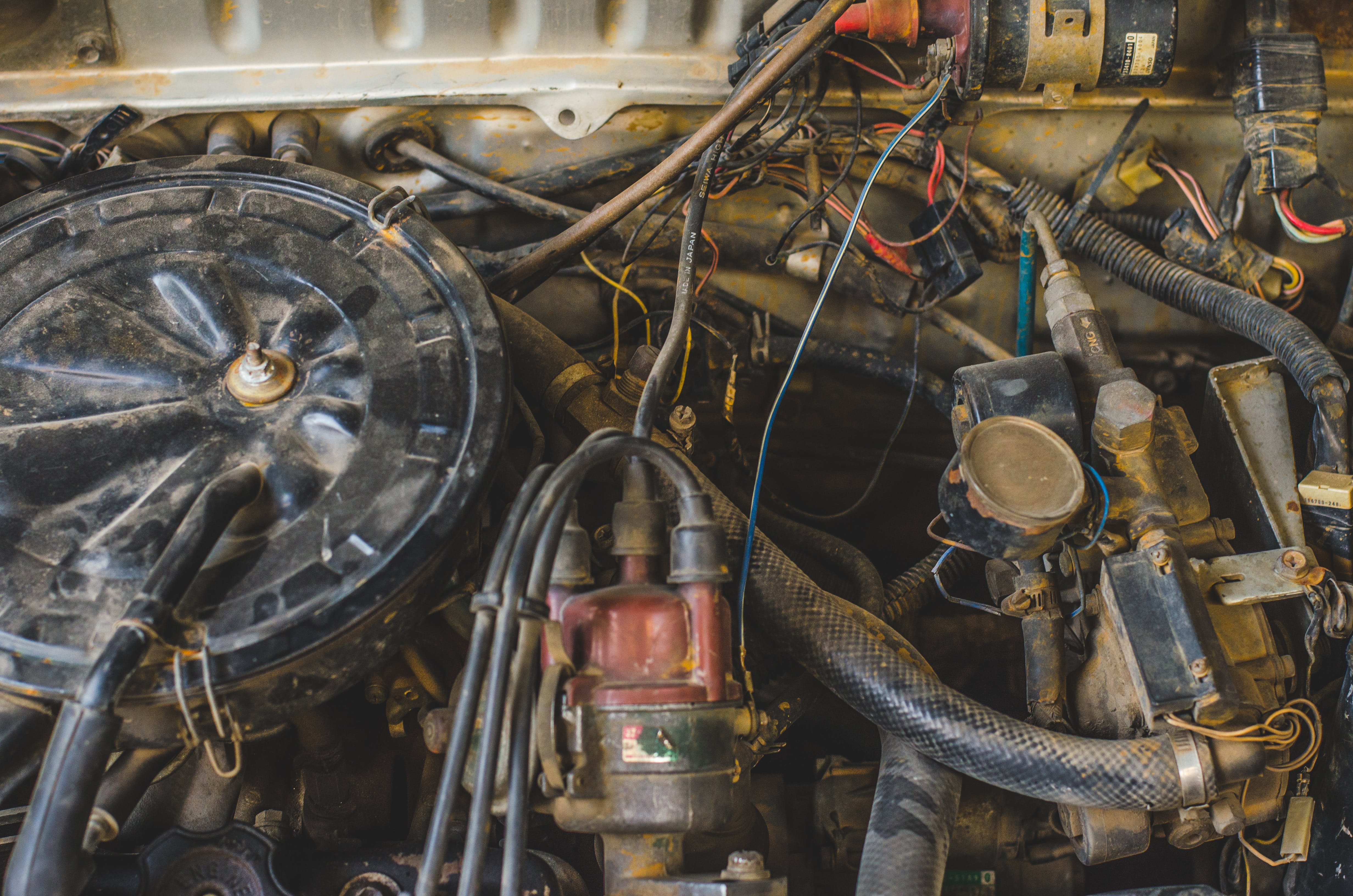 Kostenloses Stock Foto zu alter motor, altes auto, auto, auto motor