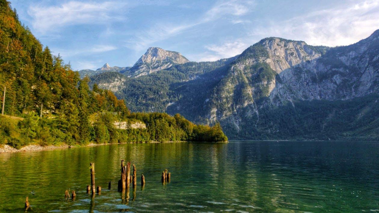 Foto stok gratis alam, danau di tepi gunung, danau gunung