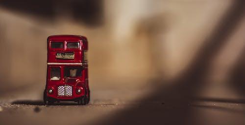 Безкоштовне стокове фото на тему «двопалубний, іграшка, їздити, маленький»