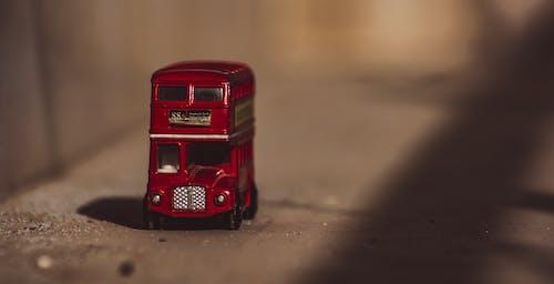 Безкоштовне стокове фото на тему «двопалубний, іграшка, маленький, мініатюрний»