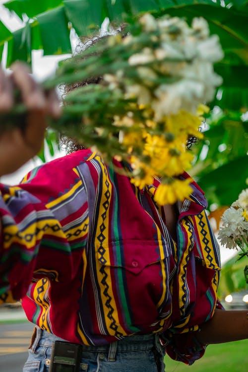 Foto stok gratis Amerika Afrika, bunga-bunga, gadis sihir hitam, kamera film