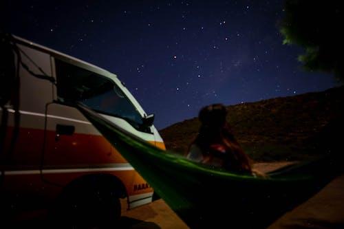 Immagine gratuita di amaca, camper, caravan, cielo notturno