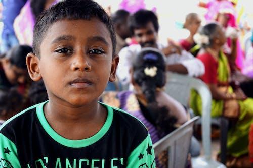 Základová fotografie zdarma na téma dítě, mladý, na výšku, osoba