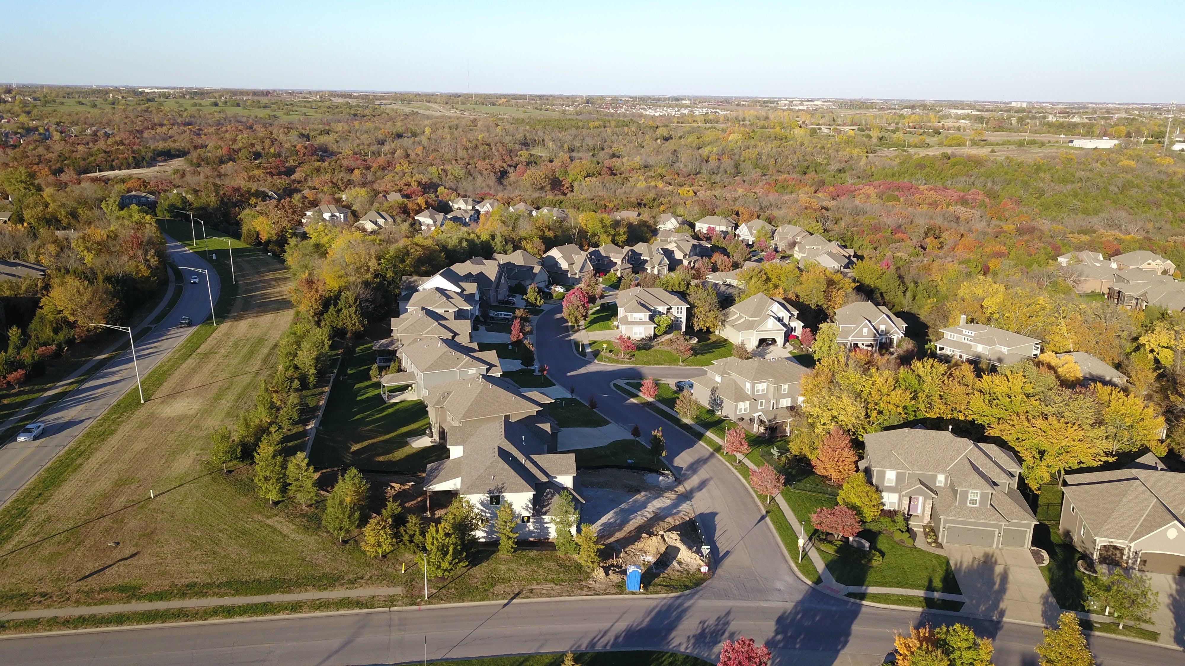 Free stock photo of neighborhood, real estate, autumn colors, suburb