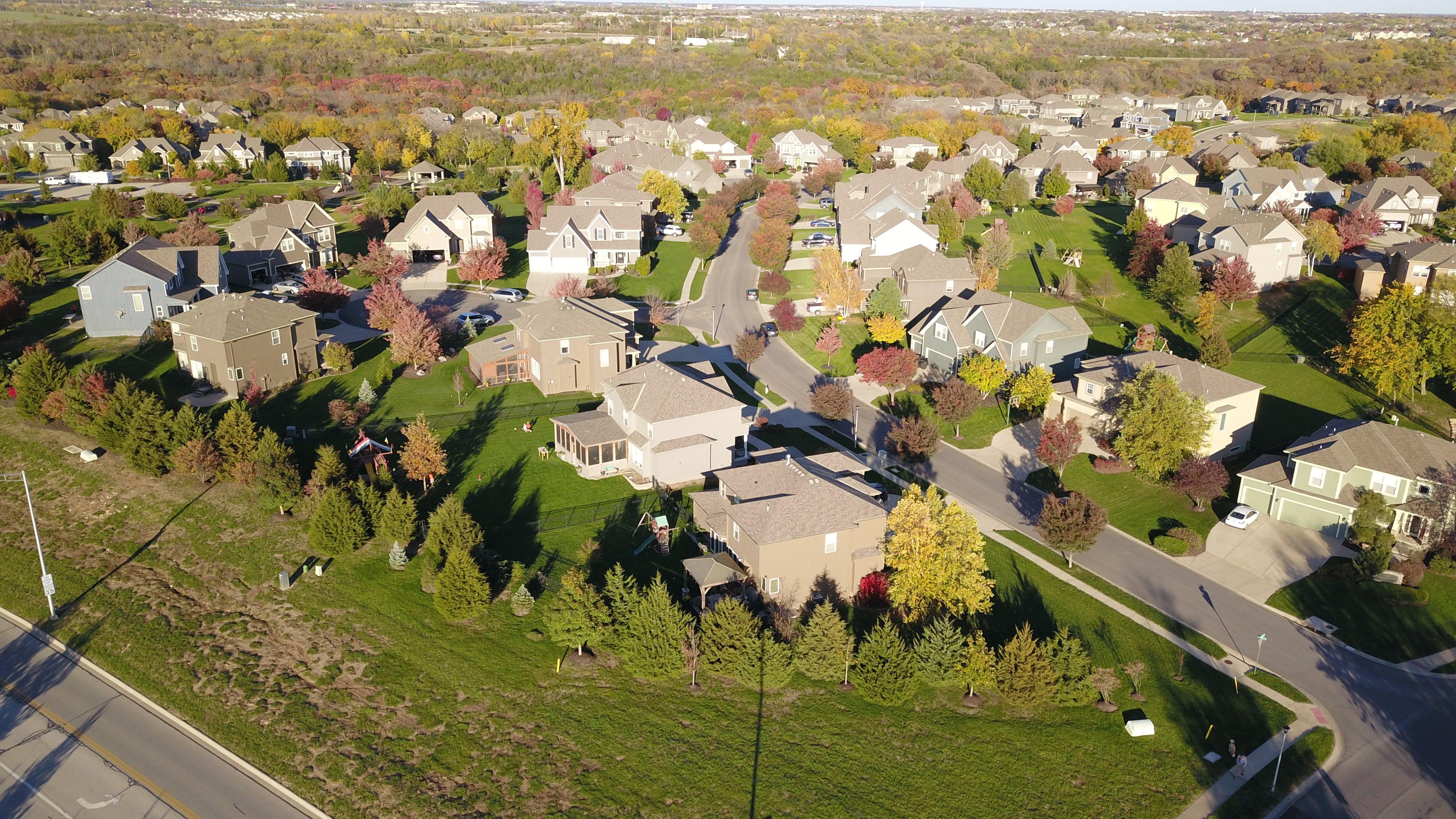 Free stock photo of houses, neighborhood, autumn colors, suburb