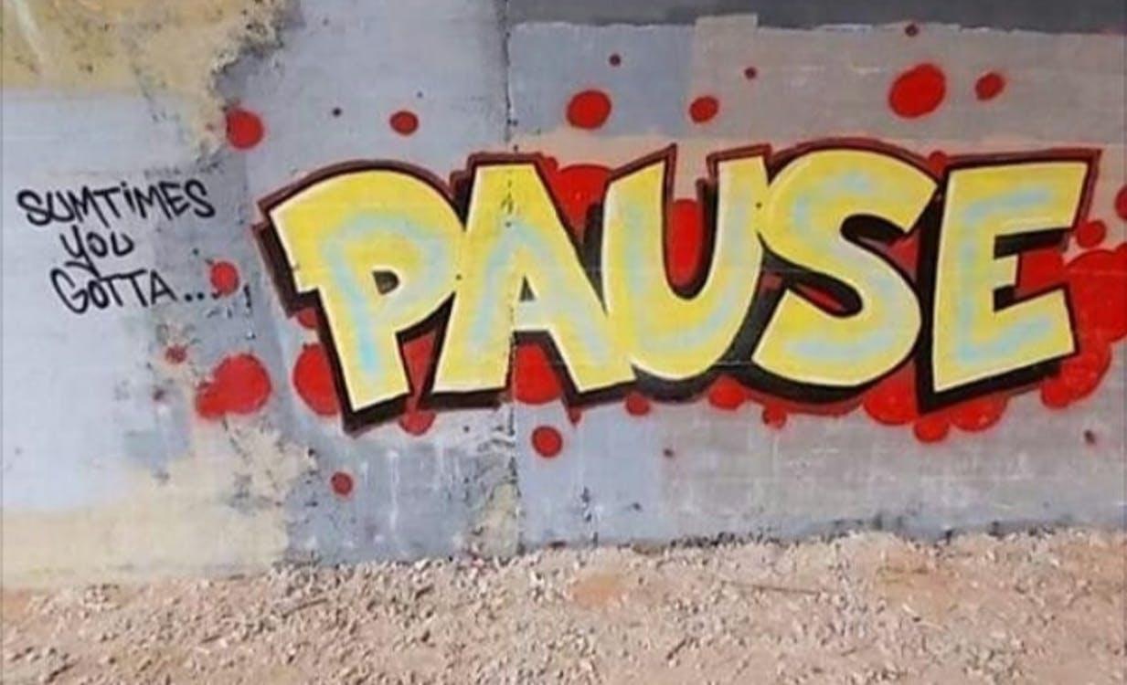 Kostenloses Stock Foto zu graffiti, meditation, pause