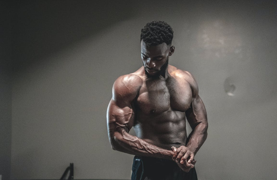 Foto profissional grátis de abs, adulto, afro-americano