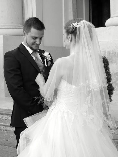 Gratis lagerfoto af brud og gom, brudekjole, bryllup, ceremoni