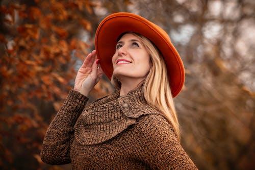 Imagine de stoc gratuită din culoare portocalie, femeie, frumusețe, lumina soarelui