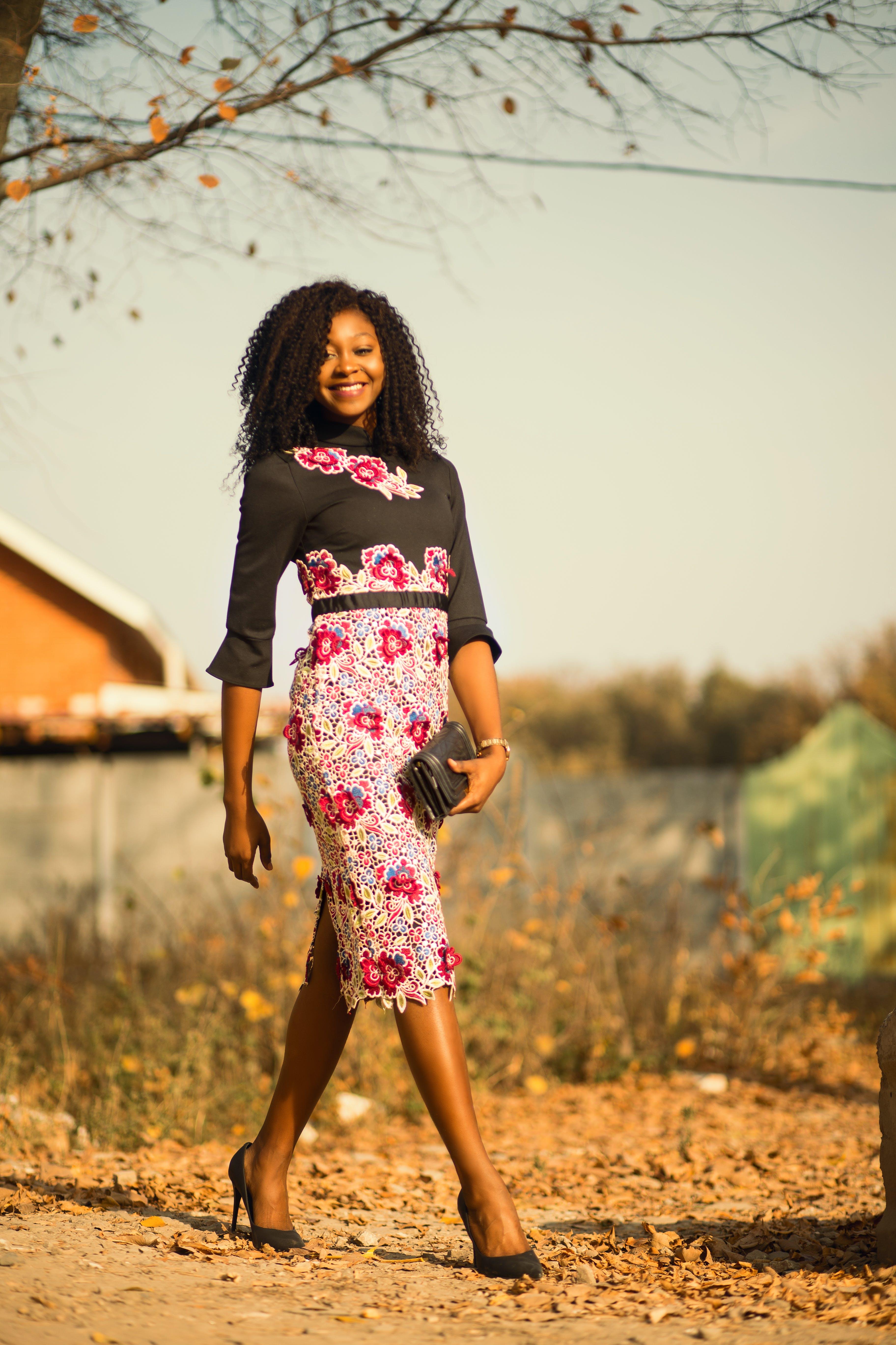 Kostenloses Stock Foto zu fashion, person, frau, gehen