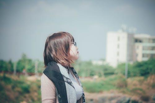 asyalı kız, sabah güneşi içeren Ücretsiz stok fotoğraf