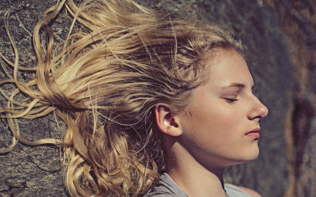 blond vlasy, dáma, denní světlo