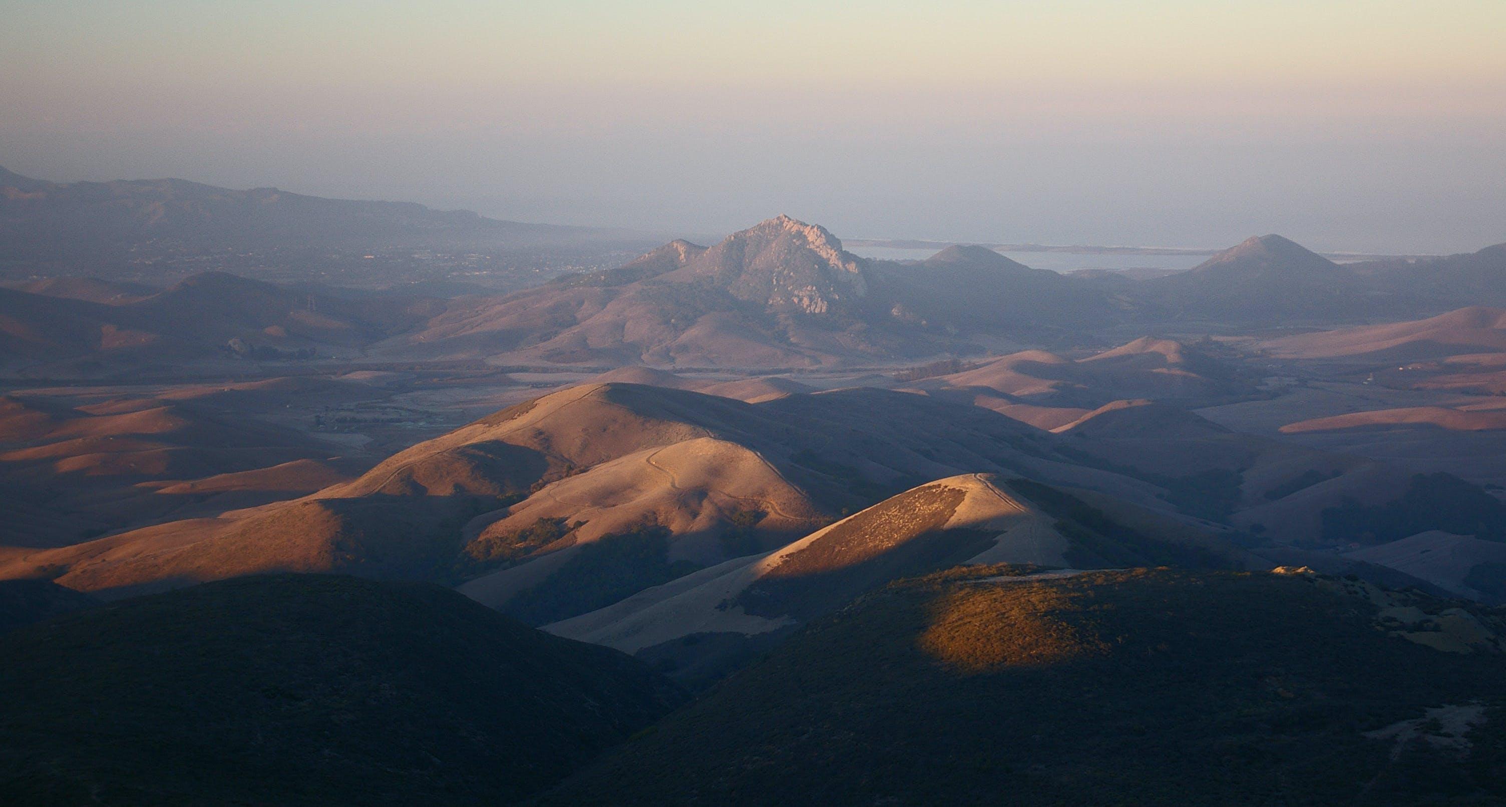Darmowe zdjęcie z galerii z błękitne góry, dolina, krajobraz, malowniczy