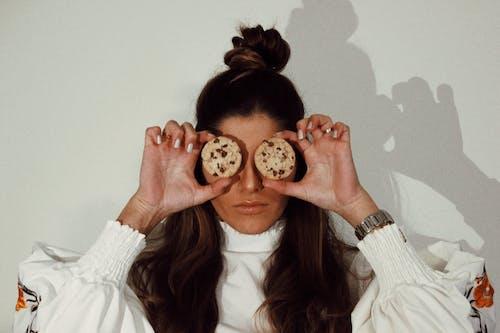 Základová fotografie zdarma na téma brunetka, kryt, legrační, móda