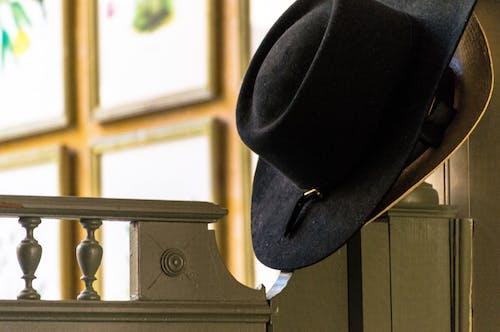 Základová fotografie zdarma na téma černá, izolovaný, klobouk, kov