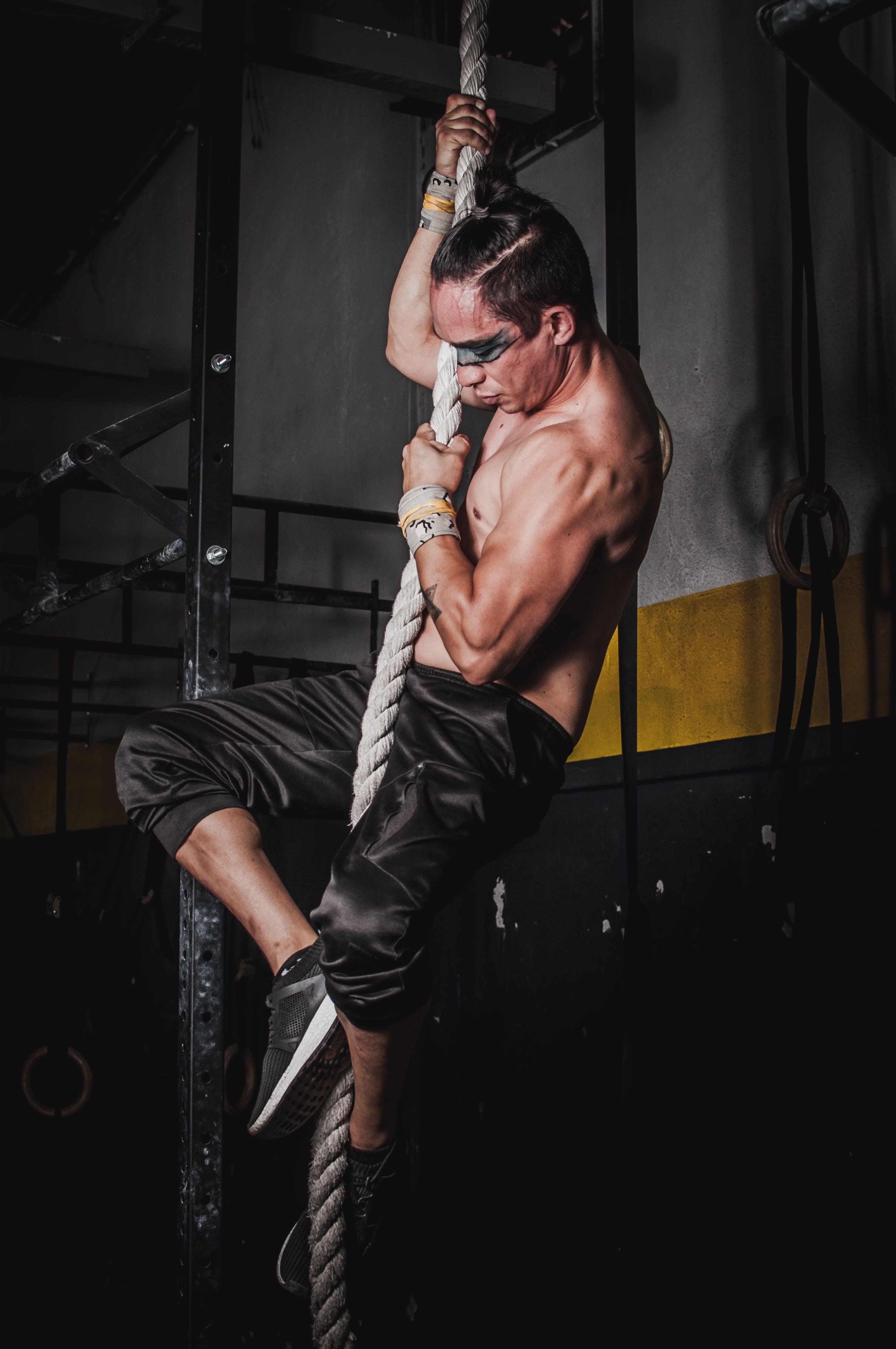 Foto d'estoc gratuïta de atleta, corda, desgast, escalada