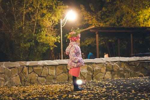공원, 등불, 삼림 공원, 소녀의 무료 스톡 사진