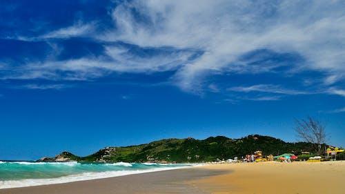 Бесплатное стоковое фото с вода, море, морской берег, морской пейзаж